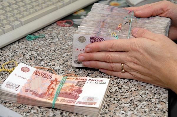 Три фальшивые купюры обнаружены в вологодском банке и сямженском магазине