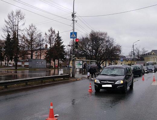 Вологжанин попал под колеса машины на пешеходном переходе