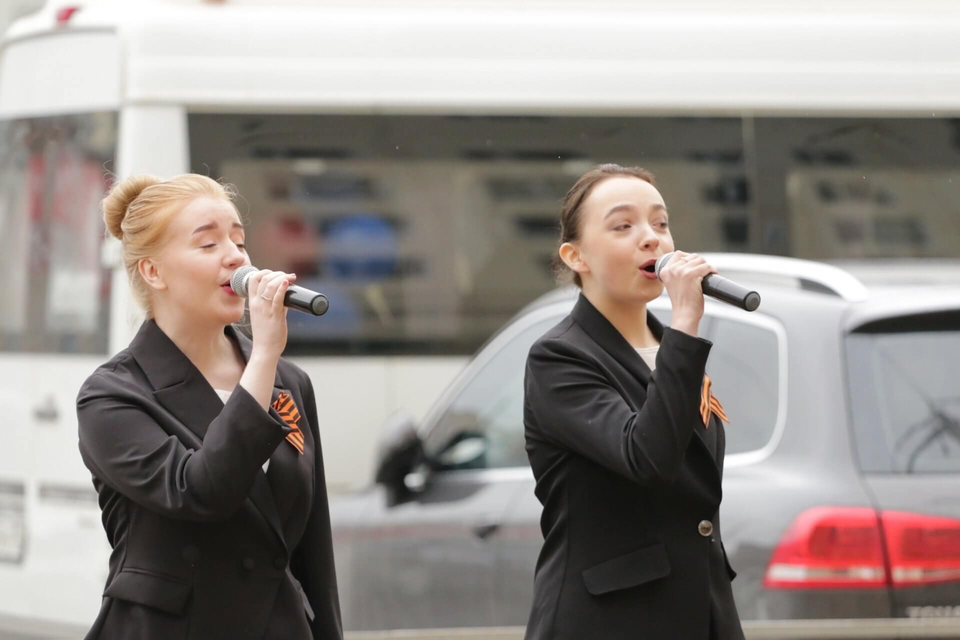 Концерт, посвященный Дню Победы, на Преминина 10Б в Вологде