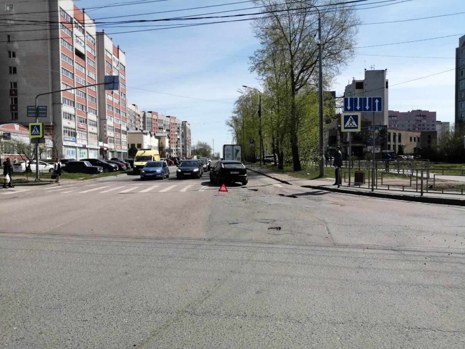 Иномарка сбила пенсионера на улице Сергея Преминина