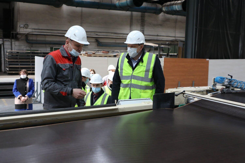 На комбинате по производству ДСП в Вохтоге вдвое увеличилась производительность