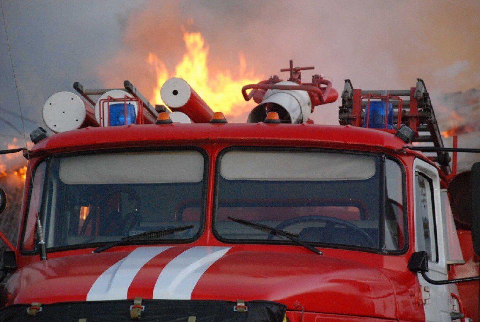 Два человека погибли во время пожара в Липином Бору