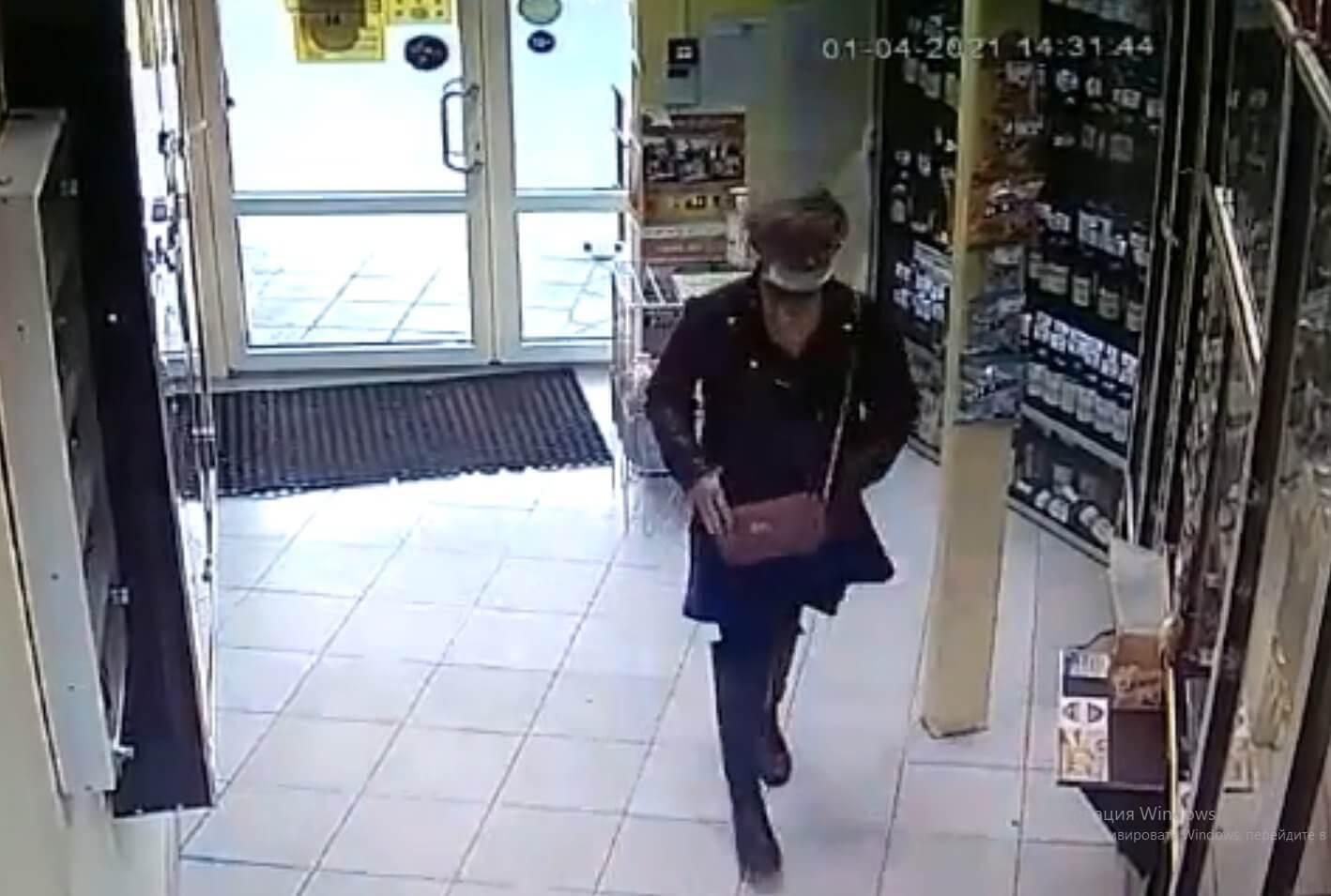 До 4 лет лишения свободы грозит череповчанке, укравшей блок сигарет из магазина